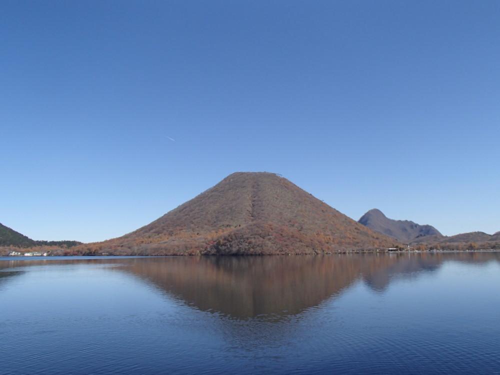 越後・上州で紅葉散策 苗場山・榛名山ロープウェイと吾妻峡